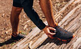Nooit meer veters strikken op de trails met ASICS GEL-Fujirado (video)