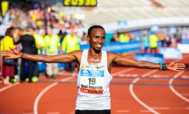 Lawrence Cherono loopt parcours record én Nederlands record voor Abdi Nageeye bij Amsterdam Marathon