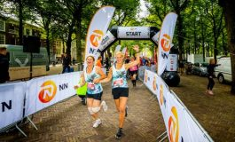 4800 lopers genieten op zonnige zondagmorgen van Haagse binnenstad bij de Den Haag Urban Trail