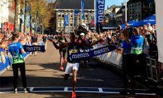 Davis Kiplangat schrijft zonnige 4 Mijl van Groningen op zijn naam