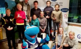 Cheque overhandiging Team 4 Mijl en Prijsuitreiking Chiquita Jeugdloop powered by GasTerra