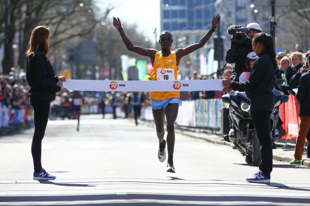 Marius Kipserem wint Marathon Rotterdam