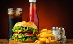Highway 2 McDonald's Challenge: McDonald's eten halverwege een hardloopwedstrijd (Video)