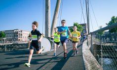 Marathon Amersfoort: Voor één keer mogen vaders de MiniMarathon lopen