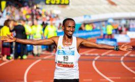 Abdi Nageeye aan start van Amsterdam Marathon
