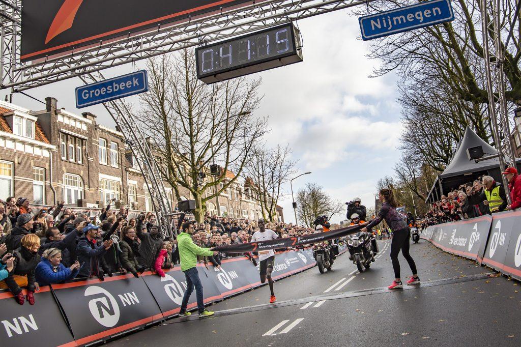 Joshua Cheptegei wint 34e NN Zevenheuvelenloop