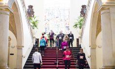 3.500 deelnemers maken een feest van zonnige Groningen Urban Trail