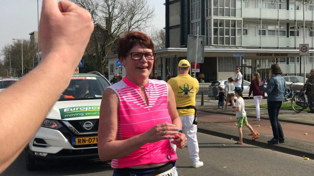 Marathon Rotterdam laatste loper Marian de Jong