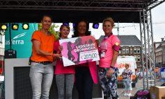 Ladiesrun Groningen telt 2.000 deelneemsters tijdens 11e editie en doneert recordbedrag Pink Ribbon