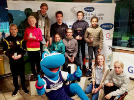 Cheque overhandiging Team 4 Mijl en Prijsuitreiking Chiquita Jeugdloop powered by GasTerra