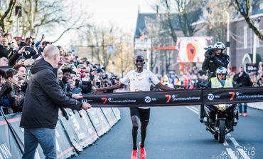 Joshua Cheptegei loopt wereldrecord bij Zevenheuvelenloop