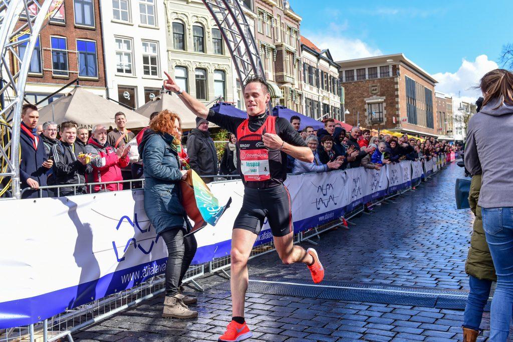 Jesper van der Wielen wint Stevensloop 2019