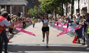 Groningen kleurt Eerste Pinksterdag roze bij 12e editie Ladiesrun