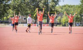 Vijftien deelnemers met beenamputatie zetten eerste stappen op sportblade
