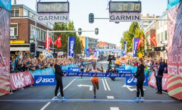 Evaline ChirChir en Solomon Berihu winnen Dam tot Damloop. Laatste twee startgroepen niet gestart.