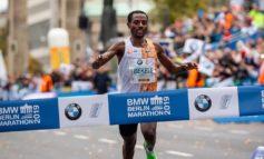Kenenisa Bekele wint Berlijn Marathon en mist op 2 seconden wereldrecord
