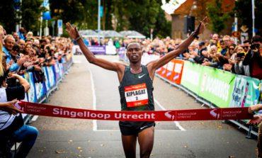 Titelverdedigers aan de start van 69e Singelloop Utrecht