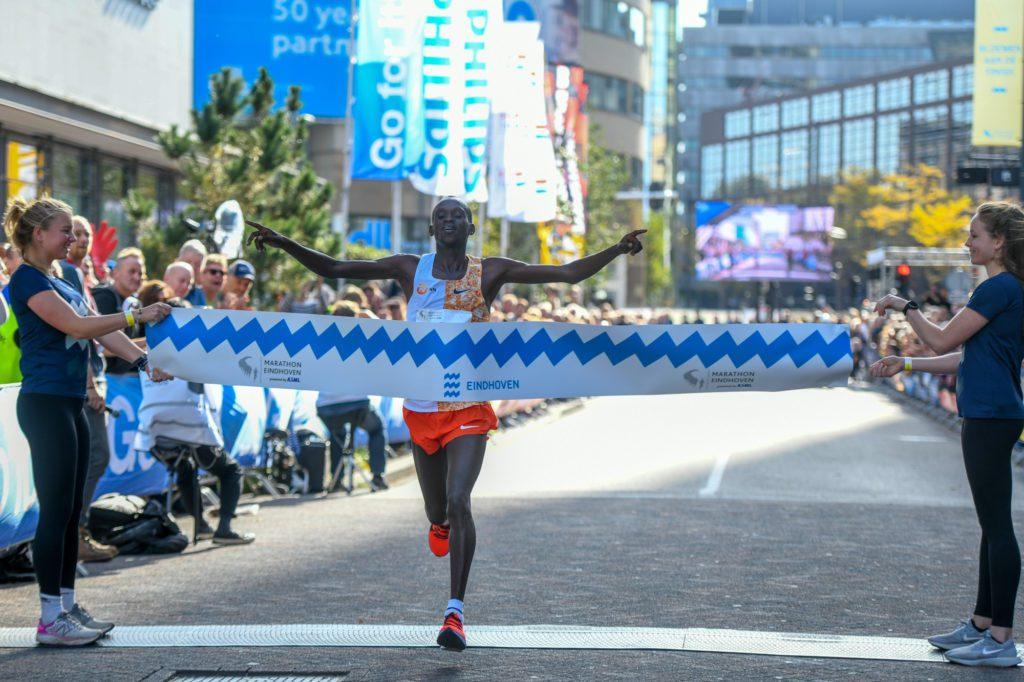 Laban Mutai wint Marathon Eindhoven