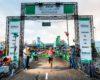Nixon Fernandes wint zonnig maar stormachtige Bruggenloop Rotterdam