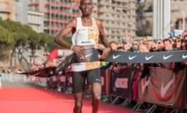 Joshua Cheptegei loopt in Monaco nieuw wereldrecord 5 km