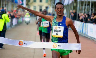 Dawit Wolde snelste bij enerverende ontknoping van jubilerende CPC Loop Den Haag