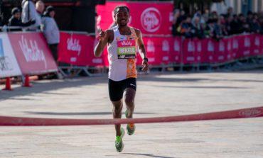 Kenenisa Bekele loopt nieuw parcoursrecord in Londen Big Half