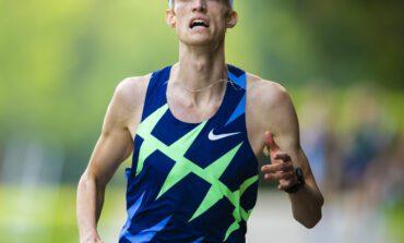 Diane van Es en Mike Foppen winnen NK 5000 meter