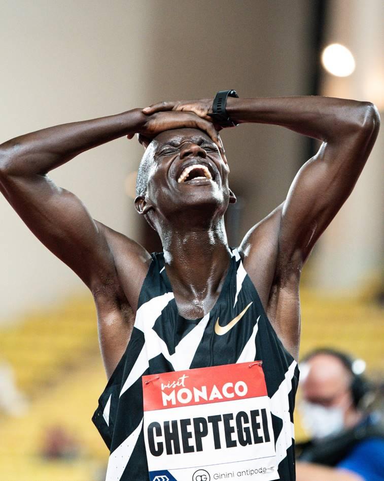 Joshua Cheptegei wereldrecord 5000 meter