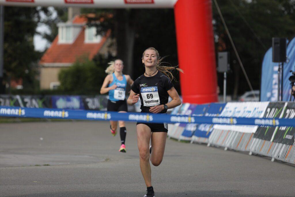 Gemma Frances winnares singelloop Enschede 2020