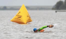 Afstand houden tijdens de Lauwersoog Swimrun