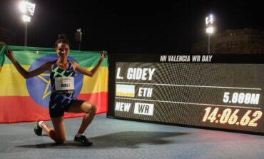 Letesenbet Gidey loopt nieuw wereldrecord 5000 meter