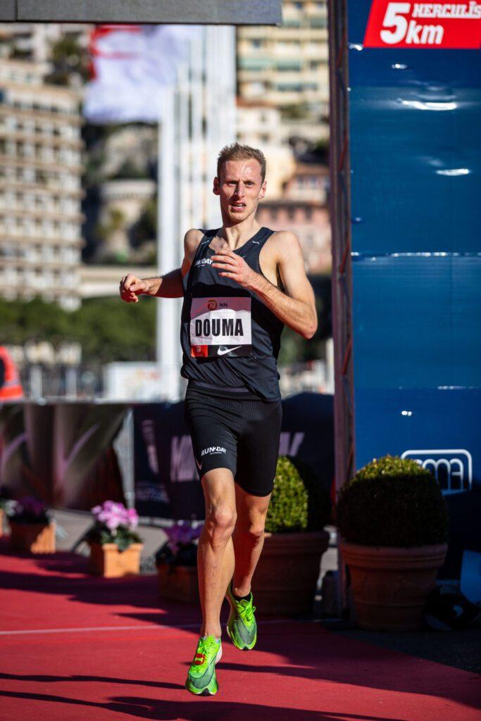 Richard Douwma loopt Nederlands record op de 5 km