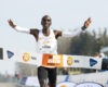 Eliud Kipchoge wint NN Mission Marathon op Airport Twente, Holterman en Butter lopen Olympische limiet