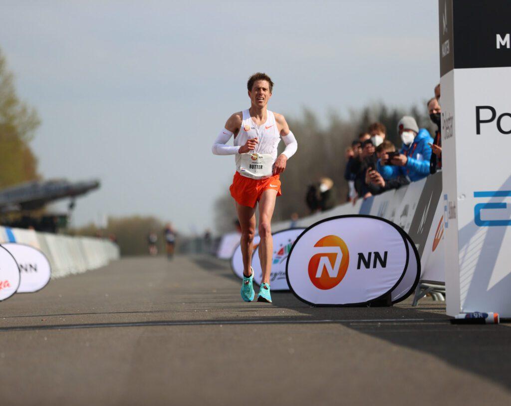 Michel Butter tijdens Marathon Airport Twente