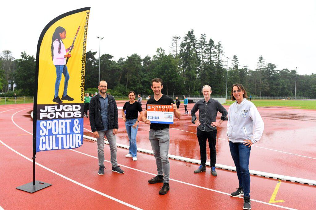 Deelnemers Lente Loopchallenge halen ruim € 12.000 op voor Jeugdfonds Sport & Cultuur